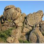 Exfolierea granitului, Mtii_Macin (N.Cruceru)