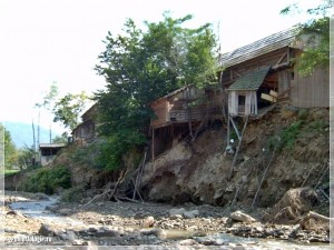 Lateral erosion, Agas Valley, after 28.07.2004 flood (N. Radoane)